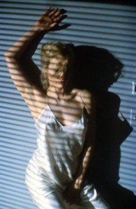 Kim Basinger no filme nove semanas e meia
